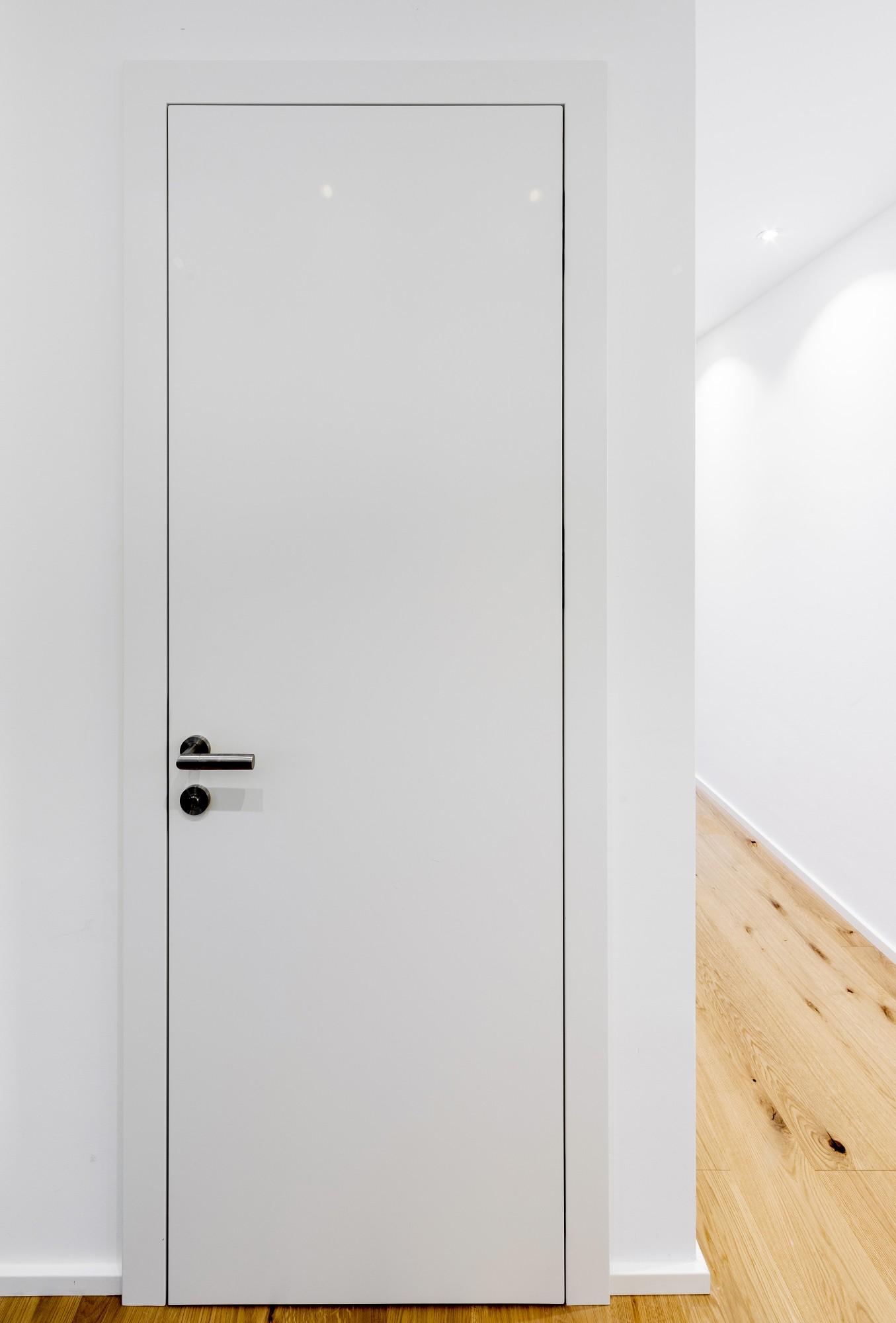 innent re stumpf einschlagend das holz und die farbe. Black Bedroom Furniture Sets. Home Design Ideas